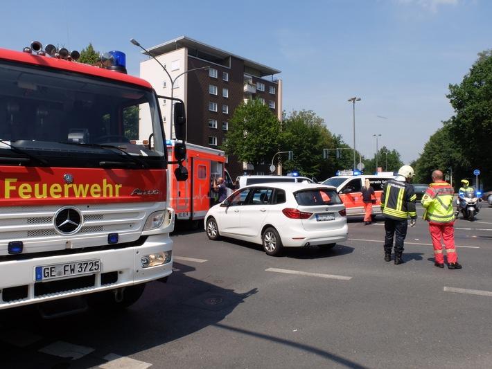 FW-GE: Verletzte Person nach Verkehrsunfall in Gelsenkirchen Buer