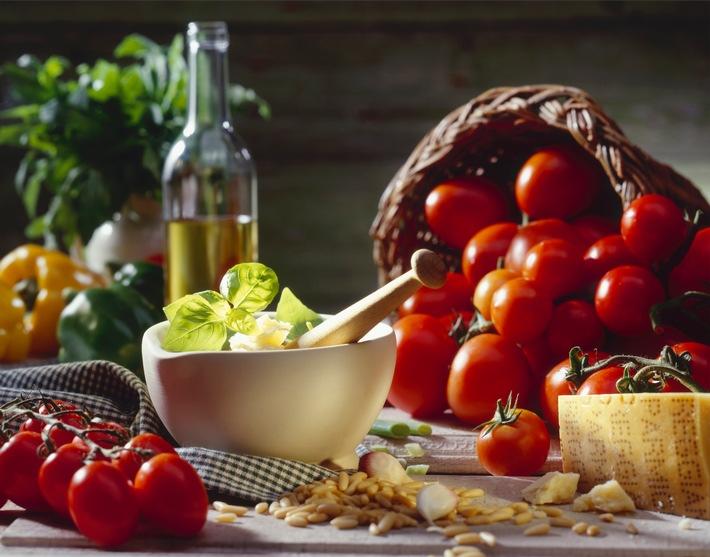 Costa Kreuzfahrten führt neue regionale Menüs an Bord ein / Authentische italienische Küche erleben