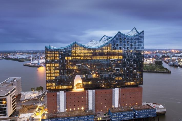 Elbphilharmonie Hamburg eröffnet in einem Jahr