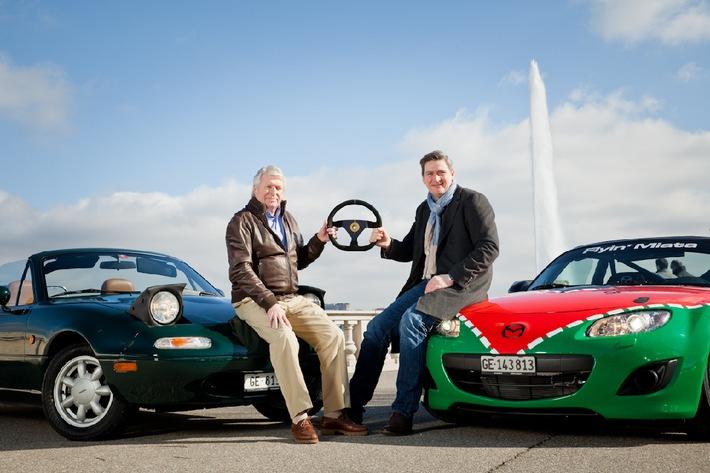 """""""Nouveau pilote"""" chez Mazda (Suisse) SA / Le directeur général Alfred F. Gubser transmet les clés à son successeur Damian Donnellan"""