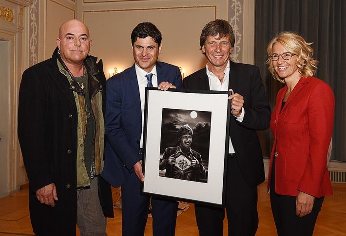 Der Berner Kommunikationspreis 2017 geht an «Mister Globetrotter» André Lüthi
