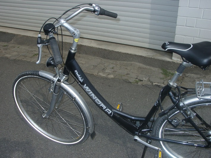 POL-HI: Aufgefundenes Damenrad
