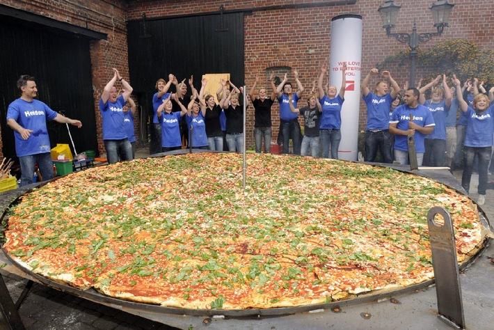 Tischgespräche, Klatsch und Tratsch Crazy-competition-wer-backt-deutschlands-groesste-pizza