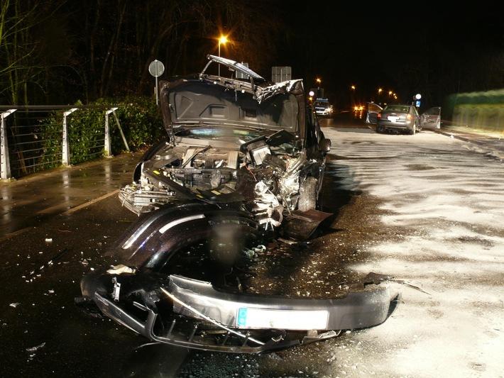 POL-DN: 6 Verletzte nach Zusammenstoß auf der Großen Rurstraße in Jülich