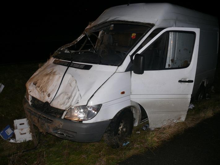 POL-DN: Transportfahrzeug landete im Straßengraben