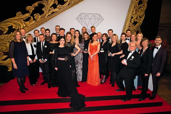 """COSMOPOLITAN ehrt mit dem 24. Prix de Beauté Produktinnovationen der Kosmetikindustrie / Über 300 Gäste feiern beim """"Oscar der Kosmetikbranche"""""""