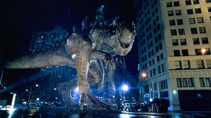 """Roland Emmerichs """"Godzilla"""" wütet am 18. März um 20:15 Uhr bei RTL II"""