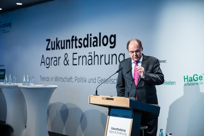 """Bundesminister Christian Schmidt: """"Die Landwirtschaft gehört in die Mitte der Gesellschaft"""""""