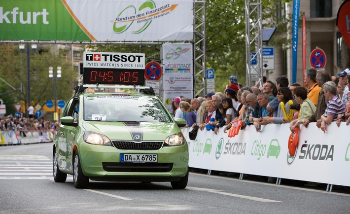 """SKODA setzt Partnerschaft mit dem Radrenn-Klassiker """"Rund um den Finanzplatz Eschborn-Frankfurt"""" fort"""