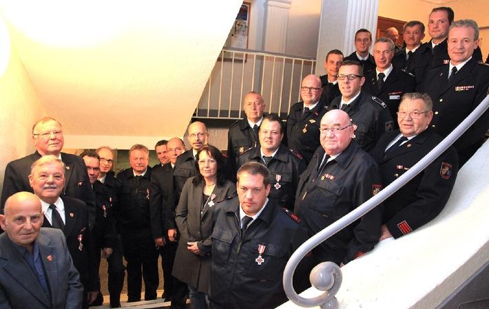 FW-E: Jubilarehrungen bei der Freiwilligen Feuerwehr