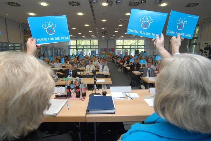 Stimme für die Tiere (mit Bild) / Mitgliederversammlung des Deutschen Tierschutzbundes in Bonn - Lage der Tierheime dramatisch