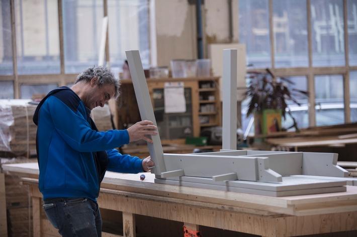IKEA kooperiert mit Piet Hein Eek: Individualität trifft auf industrielle Herstellung