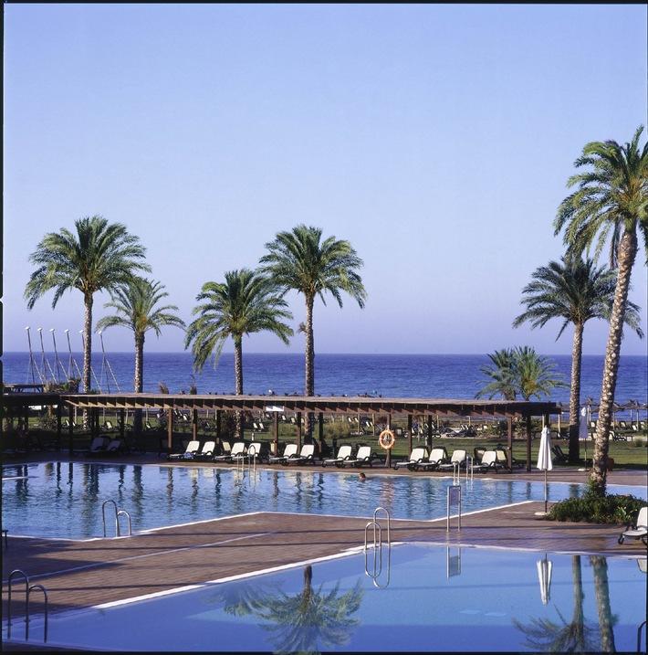 "Morgens auf der Piste, nachmittags am Mittelmeer: ""Sea & Ski Woche"" im ROBINSON Club Playa Granada/Andalusien"