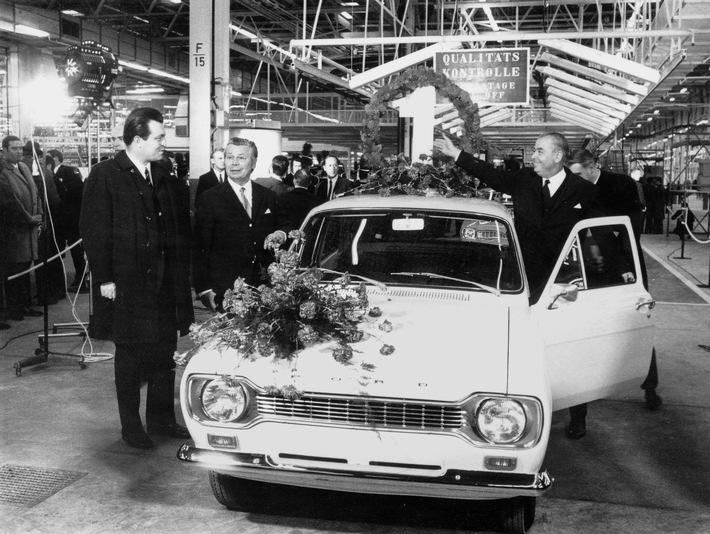 Doppelte Freude bei Ford in Saarlouis: Fünfmillionster Ford Focus läuft vom Band und Werk begeht sein 45. Jubiläum