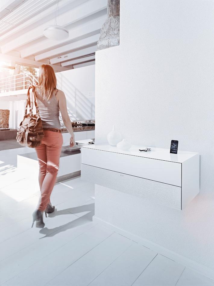 Dock-Festival! / Spectral entwickelt für seine TV-Möbel zukunftssichere Docking-Lösungen für die Mobilgeräte von Apple und Samsung