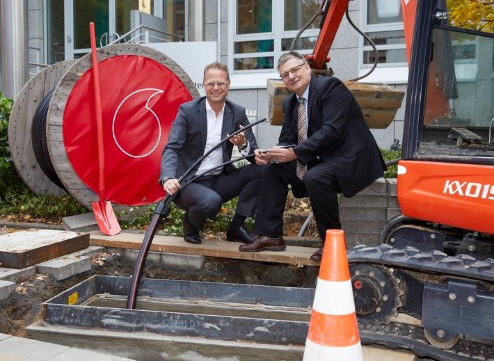GigaGewerbe: Vodafone startet Ausbau des Glasfasernetzes