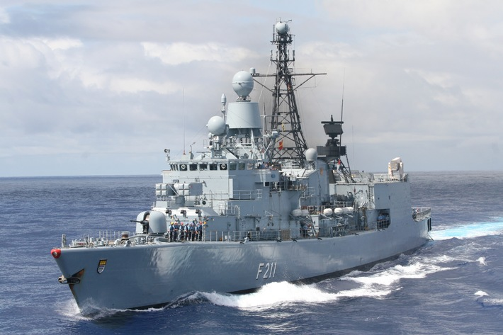 """Marine - Pressemitteilung / Pressetermin: """"Köln"""" am Horn von Afrika - Fregatte """"Köln"""" läuft zum """"Atalanta""""-Einsatz aus (mit Bild)"""