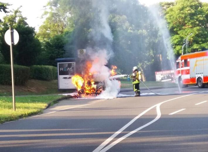 POL-HA: PKW fängt während der Fahrt an zu brennen