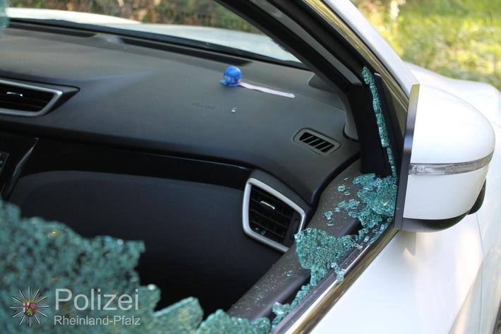 POL-PPWP: Autoknacker schlagen Scheibe ein