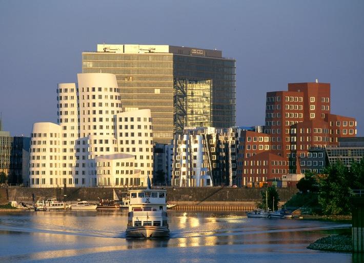 Düsseldorf lockt den Drachen an den Rhein (mit Bild) / Düsseldorf. The City Experience. Die Rheinmetropole präsentiert sich auf der Expo 2010 als starker internationaler Wirtschaftsstandort