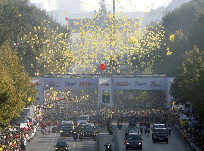 """Am Sonntag, 28. September, 13.15 bis 14.00 Uhr im Ersten:  """"Sportschau live"""" vom 35. Berlin-Marathon"""