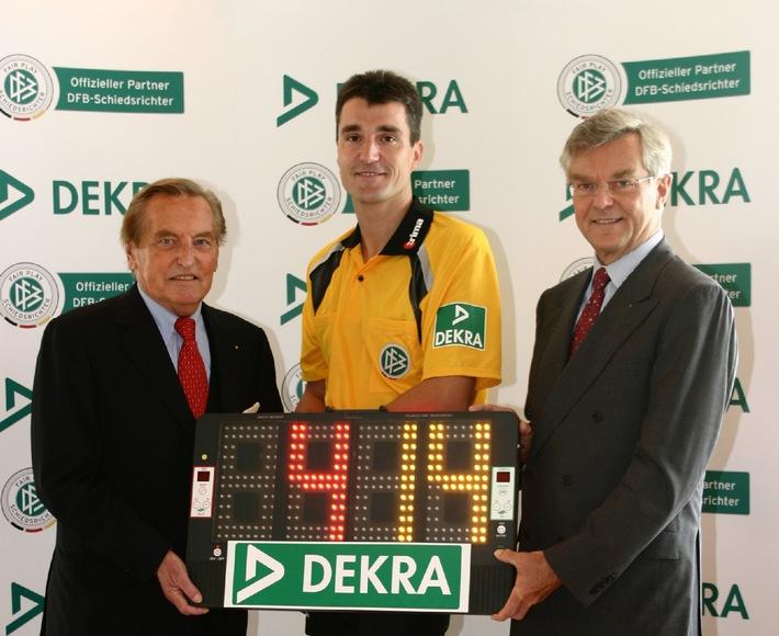 Innovatives Engagement im Fußball-Sponsoring: DEKRA wird offizieller Partner der DFB-Schiedsrichter