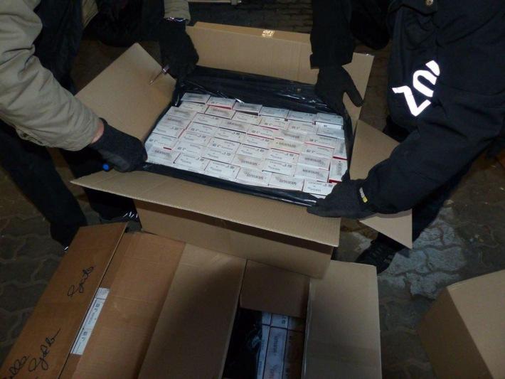 ZOLL-HH: Zigarettenhändlerbande ausgehoben