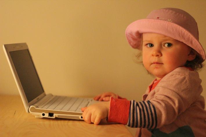 Leistungsdruck bei Kindern. Spiel- und Internetsucht - März ist Themenmonat Psychosomatik bei Asklepios / 1,2 Millionen Deutsche leiden an Internet- oder Spielsucht