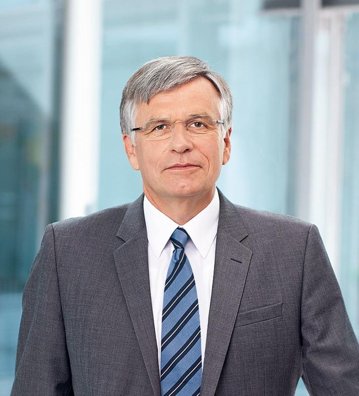 """""""Auf dem Weg zu 100 Prozent Erneuerbaren brauchen wir Brücken.""""  Voith-Chef Lienhard fordert neuen Rahmen für Energiewende."""