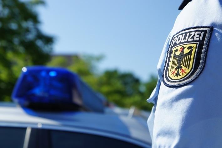 Die Bundespolizei hat bei Grenzkontrollen auf der A8 unabhängig von einander zwei gesuchte Kroaten festgenommen. Einer von ihnen sitzt inzwischen im Gefängnis in Bad Reichenhall.