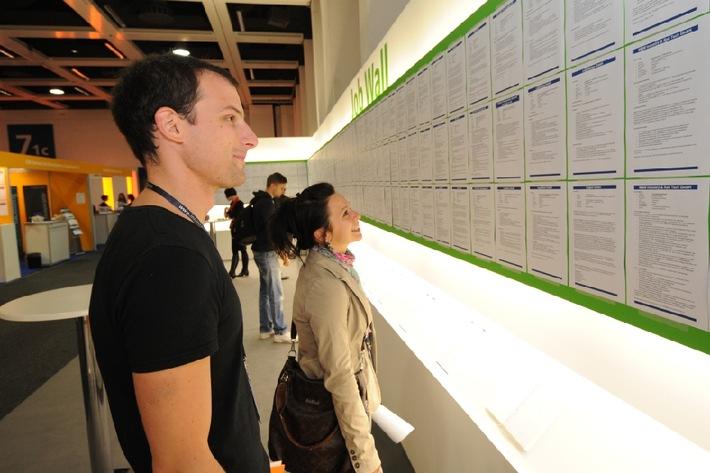 Nachwuchs und Karriere auf der InnoTrans 2014: Internationale Leitmesse für Verkehrstechnik führt exklusive Career Tours ein