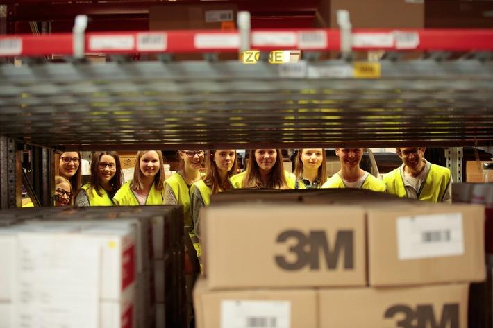 Offene Türen im Wirtschaftsbereich Logistik / 38.500 Besucher bei 449 Veranstaltungen am Tag der Logistik