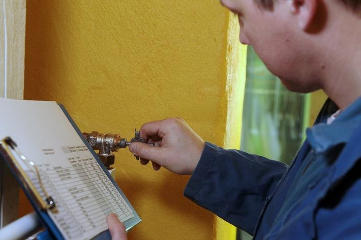 Schenken Sie Ihrer Heizung einen hydraulischen Abgleich / Heizungsoptimierung durch hydraulischen Abgleich spart Heizkosten / Online-WärmeCheck berät kostenlos