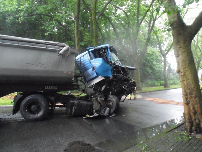 FW-BOT: Pressemitteilung Verkehrsunfall