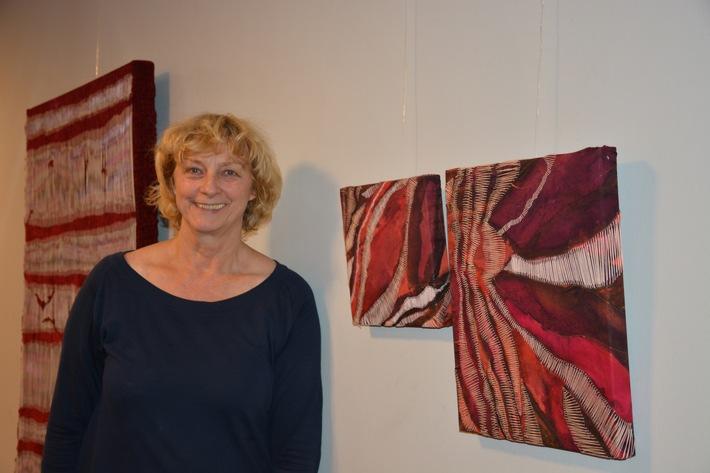 Textile Zeitkunst mit Gabriela Drees-Holz / Bild pressefrei
