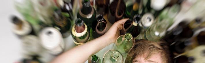 Dipendenze Svizzera Nuove cifre sulle intossicazioni alcoliche: dal binge drinking alla dipendenza