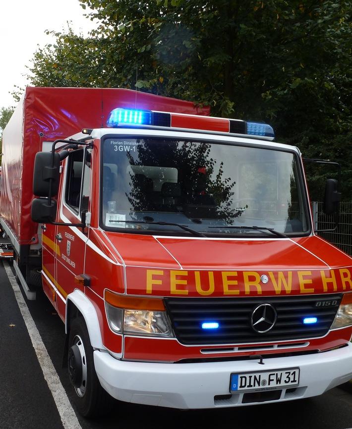 FW Dinslaken: Umfangreiche Kraftstoffspur im Stadtgebiet Dinslaken