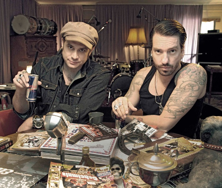 """Sex, Trucks and Rock 'n' Roll"" - The BossHoss in der SAT.1-Rockumentary ""No Deals With The Devil"" (BILD)"