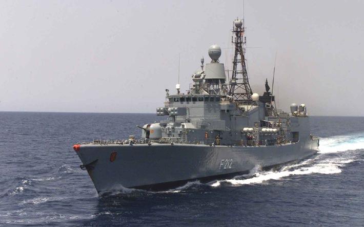 """Deutsche Marine - Pressemeldung / Pressetermin: Fregatte """"Karlsruhe"""" auf dem Weg zu """"Atalanta"""" - Ein alter Bekannter im Golf von Aden"""