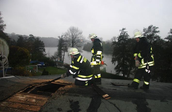 FW-E: Feuer im Eisenbahner-Sportverein Kupferdreh, eine Person verletzt