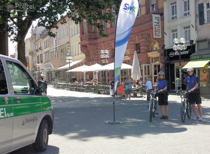 POL-PPWP: Fahrradstreife beanstandet Radler