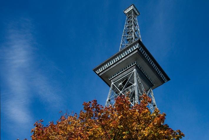 Berliner Funkturm öffnet am 16. September wieder seine Tore für Besucher - Alt Berlin Buffet zum 88. Geburtstag
