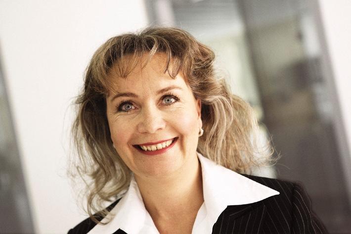 Erstmals eine Frau in der Geschäftsleitung von Raiffeisen Schweiz - Raiffeisen Schweiz optimiert Organisationsstrukturen