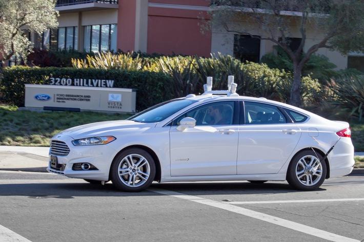 """Mobile World Congress: Ford erweitert """"Ford Smart Mobility"""", neuer Ford Kuga, SYNC 3-Bestätigung, FordPass für Europa"""