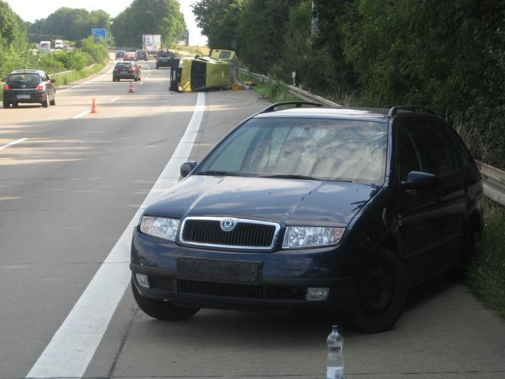 POL-HI: BAB 7, LK Hildesheim -- 15 km Stau nach Unfall auf der BAB 7
