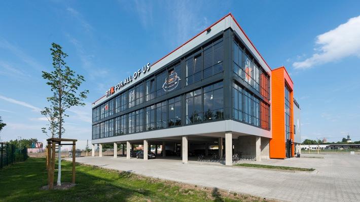 in Fitnessstudiokette FitX ist weiterhin auf starkem Expansionskurs:  Bis Ende 2017 plant das Fitnessunternehmen mit rund 60 FitX-Standorten deutschlandweit