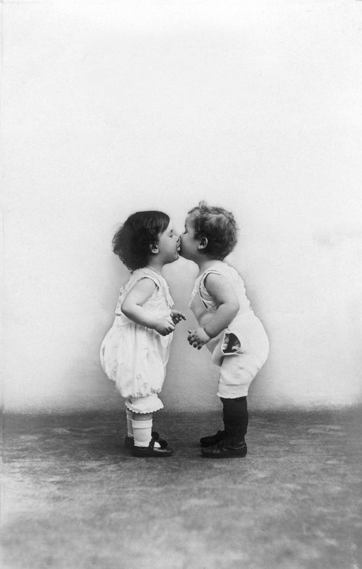 """""""Love is on the Wall"""" - zum Valentinstag die schönsten Motive für zu Hause"""