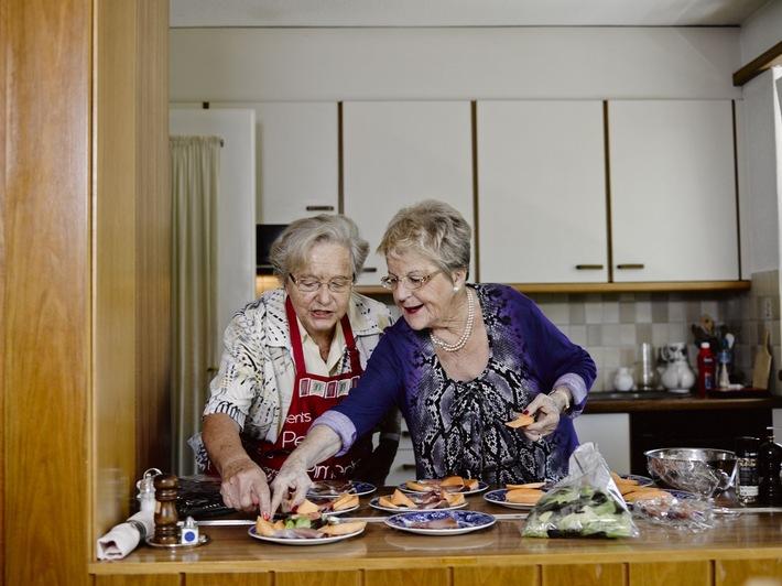 Migros-Kulturprozent: Selbstorganisierte Tischgemeinschaften bringen ältere Menschen zusammen / 5 Jahre TAVOLATA