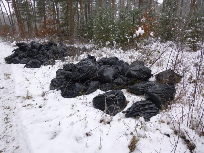 POL-NI: 100 Müllsäcke mit Glaswolle in Feldmark entsorgt