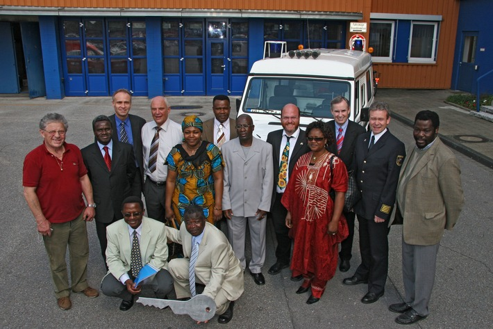 FW-E: Krankenwagen soll Schwangeren in West-Afrika helfen, Bildbeilage